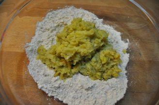 Gnocchi verdi cavolo romano e noci (1)