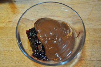 Cestini di cioccolato con lamponi e mirtilli (15)