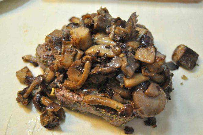 Filetto di vitello e funghi in sfoglia (9)