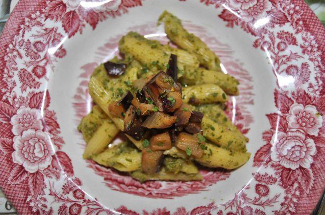 Penne rigate patè di verza e dadolata di melanzane e pera (9)