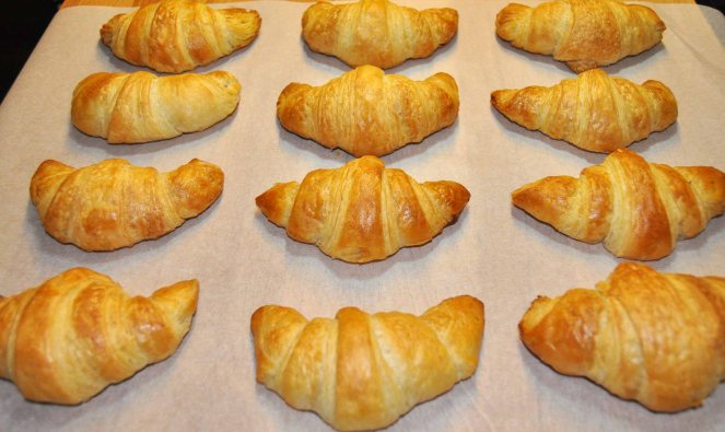 Cornetti sfogliati croissant francesi (23)