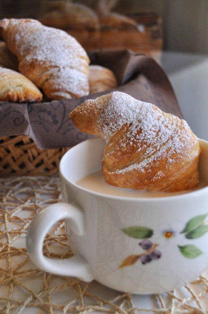 Cornetti sfogliati croissant francesi (31)