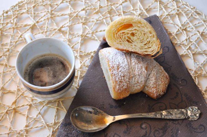 Cornetti sfogliati croissant francesi (32)