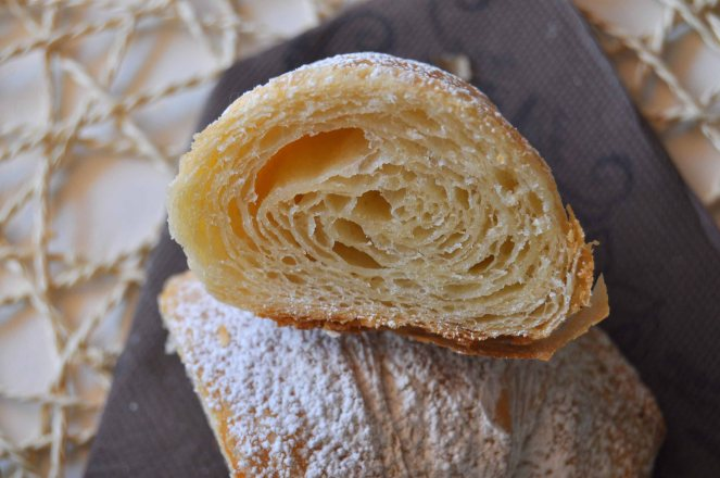 Cornetti sfogliati croissant francesi (33)