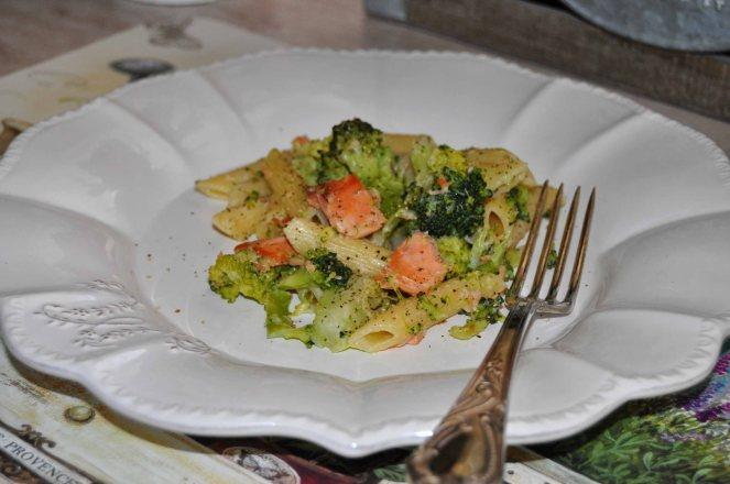 Penne broccoli e salmone (7)