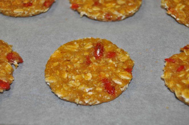 Biscotti integrali con fiocchi d'avena e bacche di goji (2)