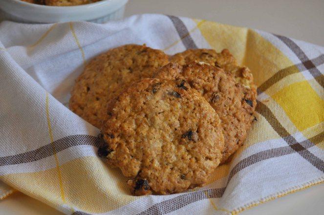 Biscotti integrali con fiocchi d'avena e bacche di goji (3)