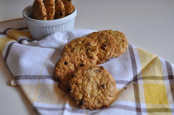 Biscotti integrali con fiocchi d'avena e bacche di goji (4)