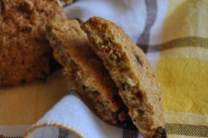 Biscotti integrali con fiocchi d'avena e bacche di goji (5)