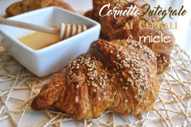 Cornetti integrali ai cereali e miele (15)TEST