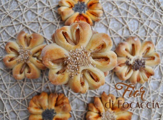Fior di focaccia, focaccine a forma di fiore (20)