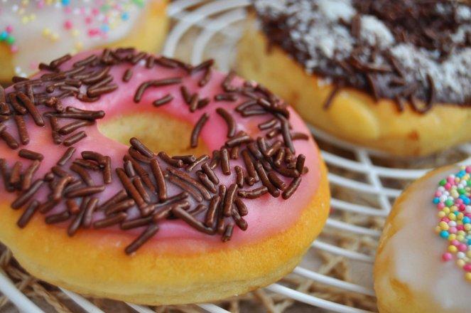 Donuts al forno le ciambelline americane cook and love for Cucinare con 2 euro al giorno pdf