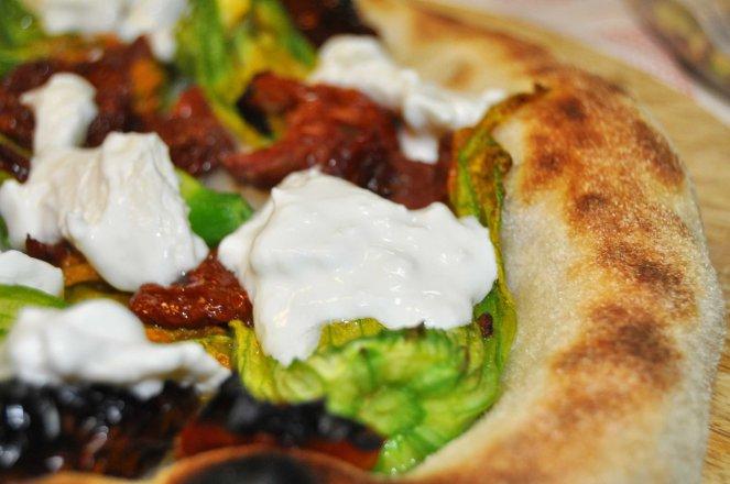 pizza napoletana al piatto (10)
