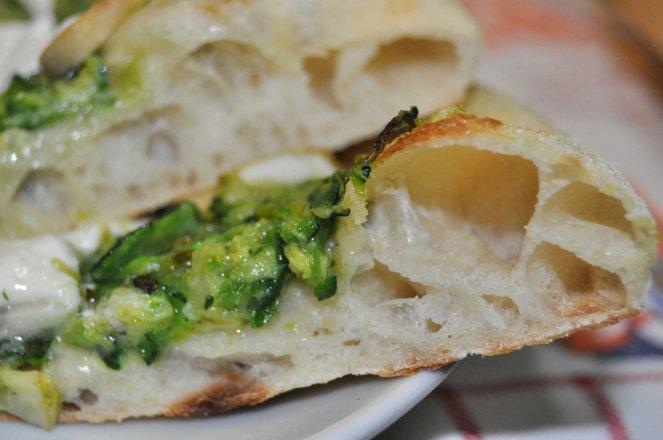 pizza napoletana al piatto (7)