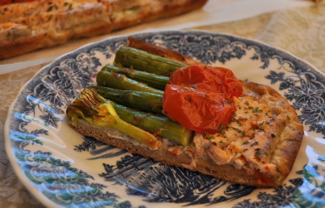 pizza rustica con asparagi fiori di zucca e salmone (21)
