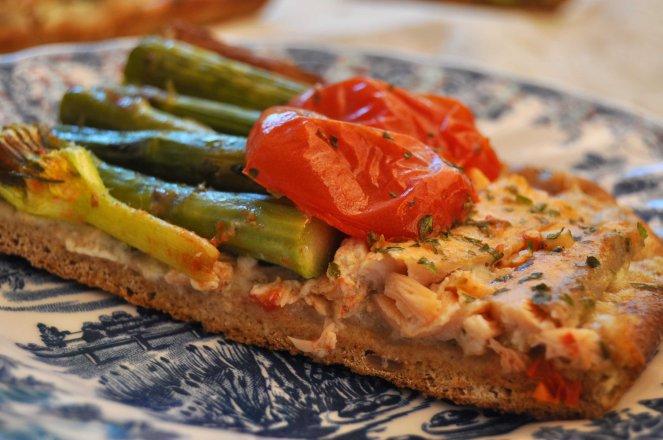 pizza rustica con asparagi fiori di zucca e salmone (24)