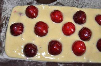 Plumcake ciliegie e fragole (1)