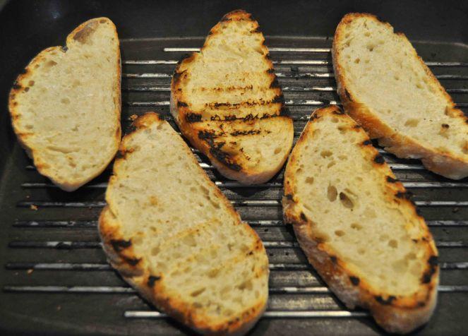 Bruschetta pesche grigliate jamon iberico e ricotta (2)