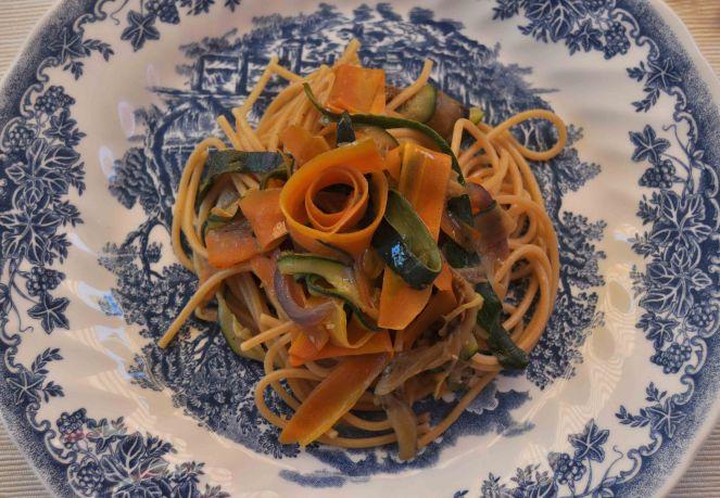 spaghetti integrali con nastri di verdure (3)
