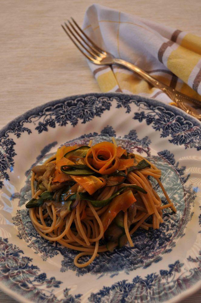 spaghetti integrali con nastri di verdure (6)