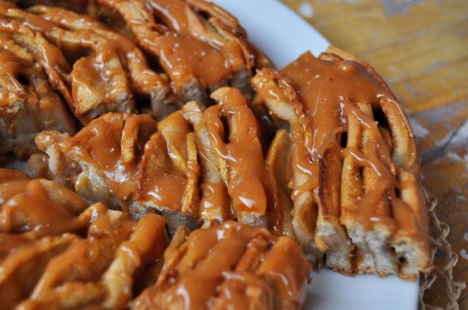 brioche-spirale-di-mele-al-caramello-salato-10