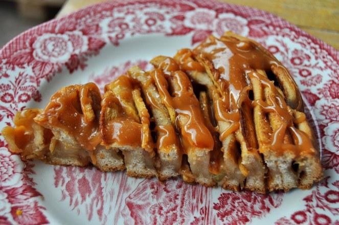 brioche-spirale-di-mele-al-caramello-salato-9