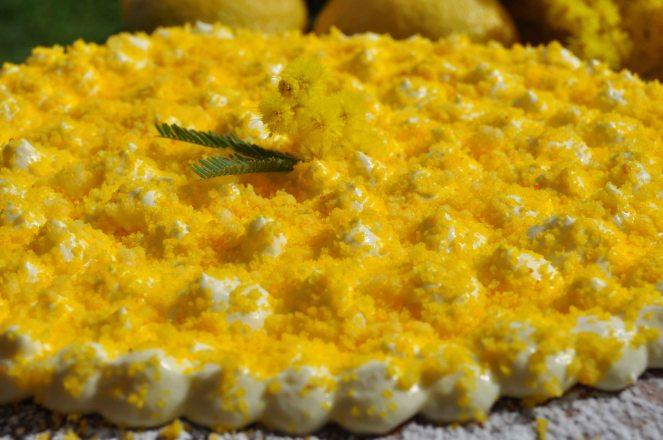 torta mimosa di albumi alla crema al limone (8)
