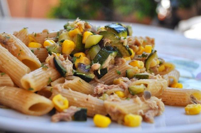 penne integrali zucchine mais e tonno (3)
